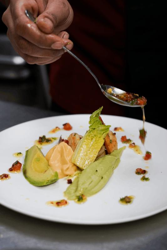 Composition d'un plat dans l'assiette à La Romantica